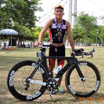 Young Barry Lee is a rare 'hybrid' triathlete delving in road and off-road triathlons. (Facebook/BarryLee)