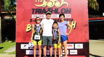 Fr L-R: Angie, Wilson, Edward and Elizabeth of  the Liew family raced as a family for the first time at 113 Bukit Merah Triathlon.