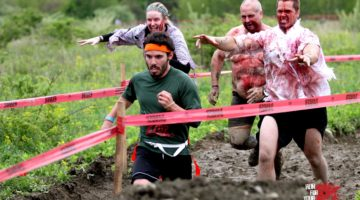 Choose to run as a 'Survivor' (human) or a Zombie in Run For Your Lives.